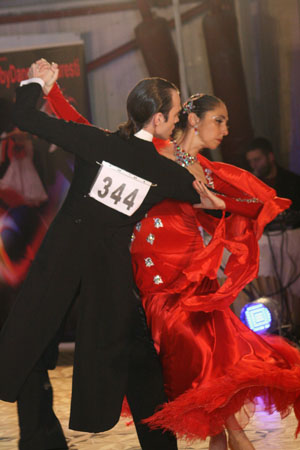 13_11_16_Voluntari_tango_elena_maruta_gabriel_balmus