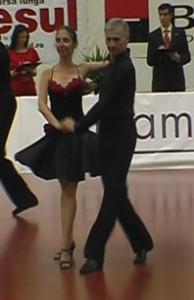 08_05_09_Pitesti_Dansul_Florilor_chacha_Elena_Maruta_Pompiliu_Constantin