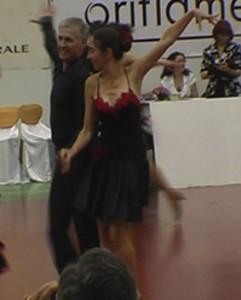 08_05_09_Pitesti_Dansul_Florilor_jive_Elena_Maruta_Pompiliu_Constantin