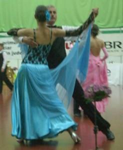 08_05_09_Pitesti_Dansul_Florilor_vals_lent_Elena_Maruta_Pompiliu_Constantin