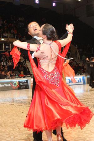 12_03_31_DanceMasters_slowfox_Yoshihiro_Katayama_Elena_Maruta